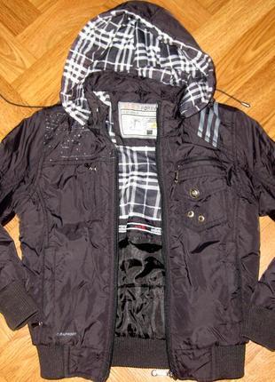 Куртка-деми/adidas/ на 7-8 лет