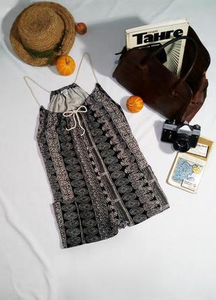 Легкий ромпер шортами (комбинезон)