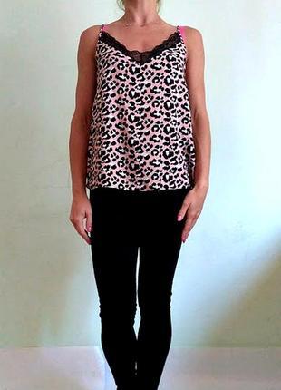 Базовая блуза на тонких бретелях в бельевом стиле с кружевом 10