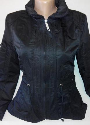 Стильная демисезонная куртка размер 44-46