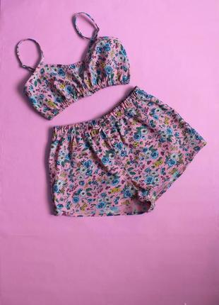 Розовая пижама цветочный принт