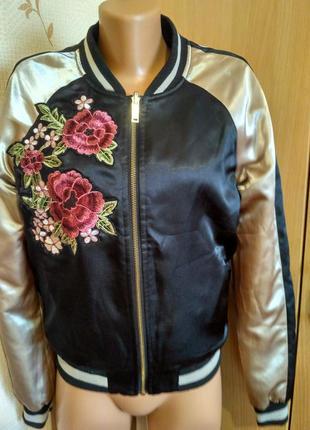 Очень крутой бомбер куртка с вышивкой цвет золото от tally weijl