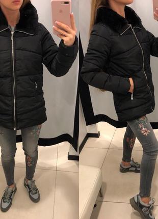 Чёрная куртка с меховым воротником mohito тёплая деми курточка xxs-xl