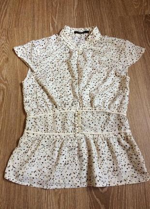 Красивая блуза в милые сердечки