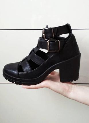 Ботинки ботильйоны туфли на удобном каблуке трендовая обувь