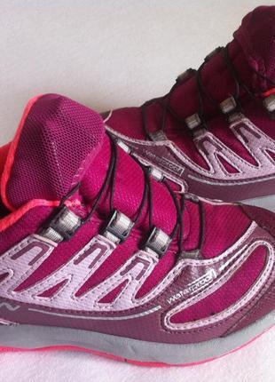 Демисезонные кроссовки salomon размер 29-30 стелька 19 см оригинал !!!