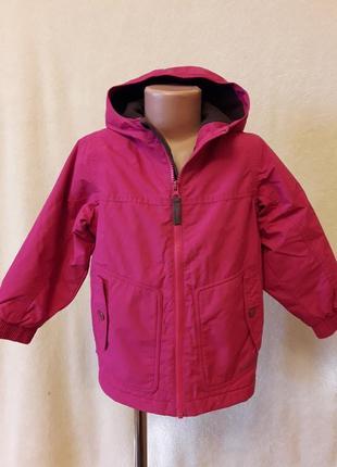 Демисезонная куртка фирмы quechua p. 102-109 на 4 года