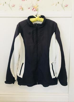 Спортивная куртка ветровка