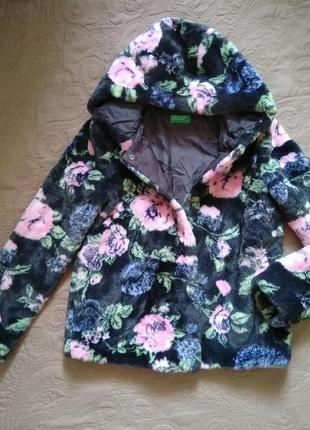 Новая куртка/шуба из искусственного меха benetton в розах 11-12 лет