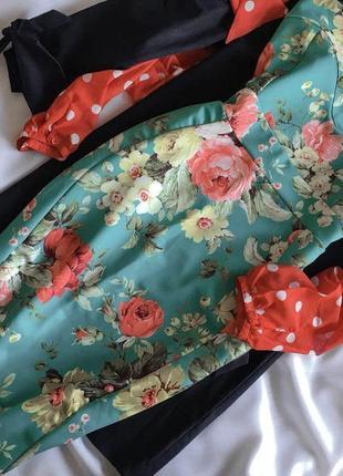 Трендове плаття міді в квітковий принт glamour babe