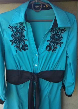 Оочень красивая нарядная туника-рубашка голубого цвета