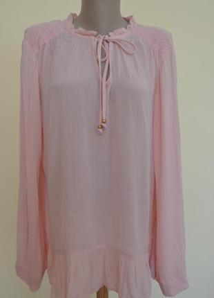 Фирменная нежная блузочка с вышивкой