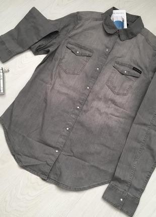 Рубашка фирмы calvin klein jeans