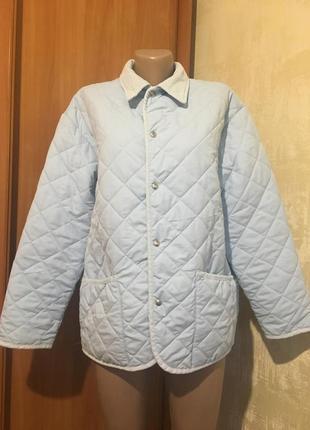 Лёгкая стёганная куртка на кнопках.greenfield