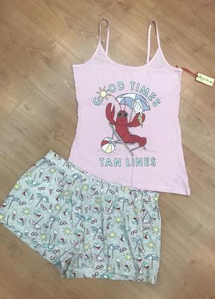 Яркая и красивая пижама