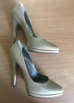 Туфли casadei оригинал 38 размер
