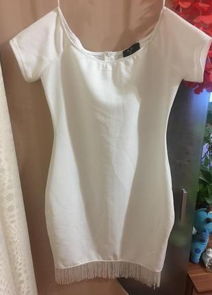 Белое платье с бахромой ax paris