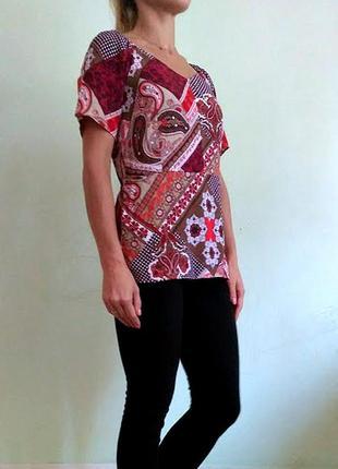Приталенная блуза в орнамент