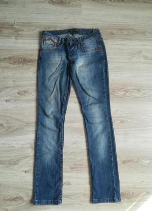 Фирменные прямые джинсы!1