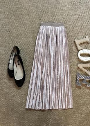 Бархатная плиссированная юбка красивого нежного цвета известного бренда marks&spencer