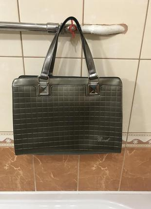 Кожаная сумка сумка кожаная лаковая  cuud италия