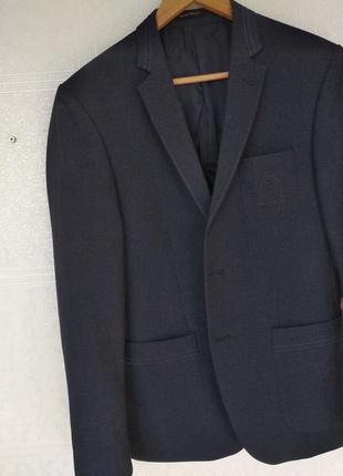 Супер стильный мужской пиджак с заплатками на локтях
