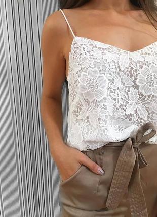 Біла мереживна блуза stradivarius
