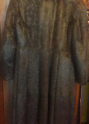 Нутриевая шуба темно-коричневого цвета2 фото