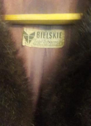 Нутриевая шуба темно-коричневого цвета3 фото