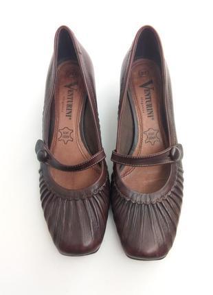 Оригинальные кожаные туфельки