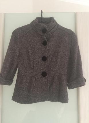Утепленный пиджак, ждемпер, свитер, кардиган с рукавом три четверти на теплую осень