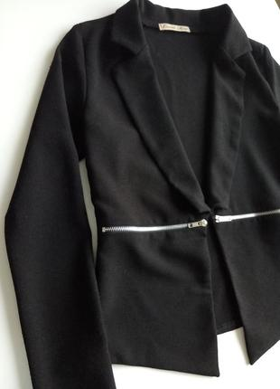 Черный пиджак без застежки с длинным рукавом без подкладки