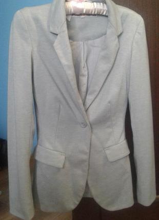 Приталеный пиджак