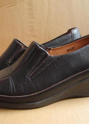 Туфли женские осень-весна  р. 38 стелька 25 см мягкая кожа