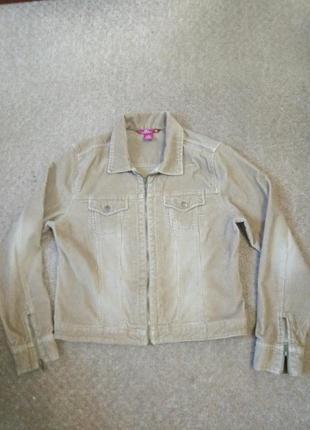 Короткая вельветовая куртка