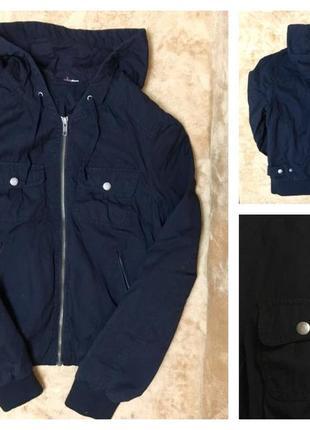 Чёрная короткая куртка