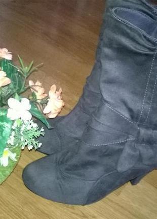 Бомбезные ботинки на каблуке