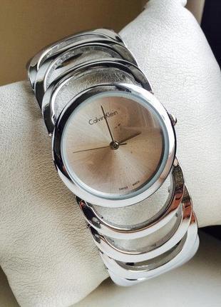 Женские часы-браслет calvin klein