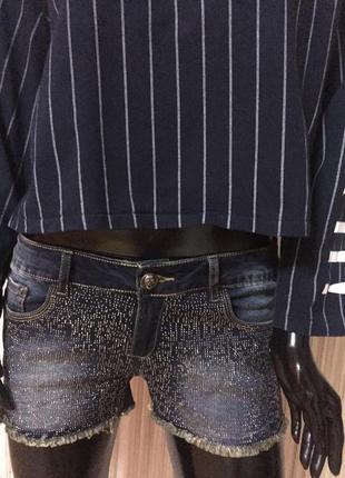 Очень нарядны шорты с блестками бренд  chicoree