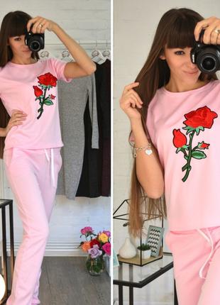 Повседневные трикотажные серые ,розовые,мятные костюмы с вышивкой роза с-м