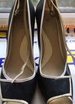 Стильные туфли на каблуках