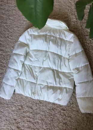 Осенняяя белая куртка , зефирная