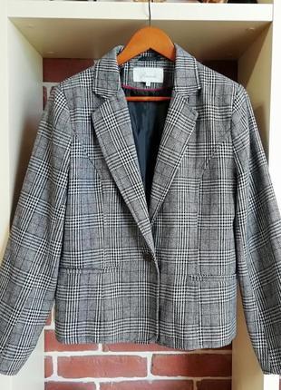 Актуальный пиджак-бойфренд в клетку в составе шерсть