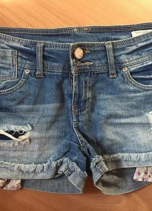 Короткие джинсовые шорты terranova