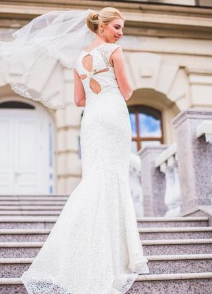 Свадебное платье со шлейфом. торг