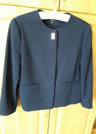 Стильный деловой пиджак жакет.