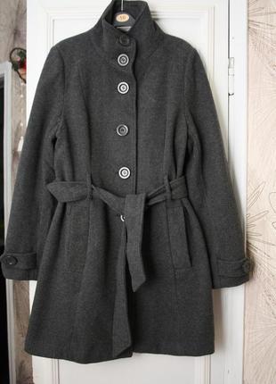 Отличное пальто 72% шерсть!!!