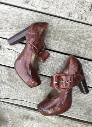 Винтажные кожаные туфли