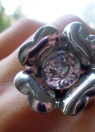 """Кольцо """"цветок"""" от oriflame."""
