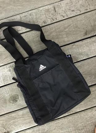 Спортивная сумка с кармашками adidas